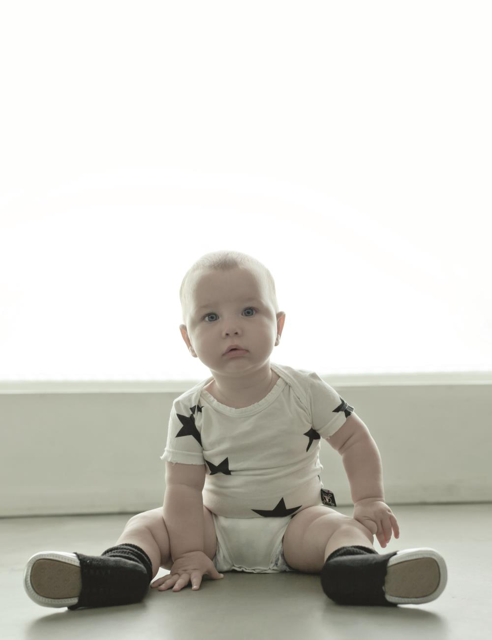 NUNUNU BABY Body szary melanż w gwiazdki 12-18m